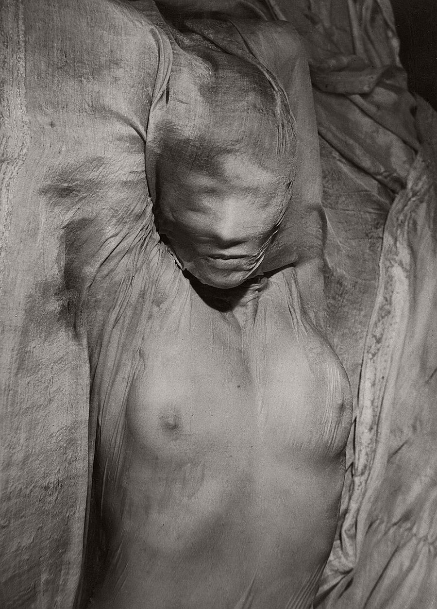 Erwin Blumenfeld Voile mouillé [Wet Veil] Paris, 1937