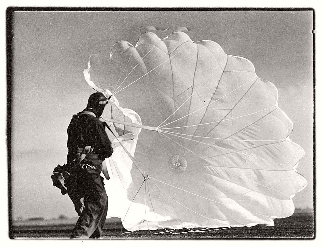 Margaret Bourke-White  Untitled #47 (Twenty Parachutes), 1937