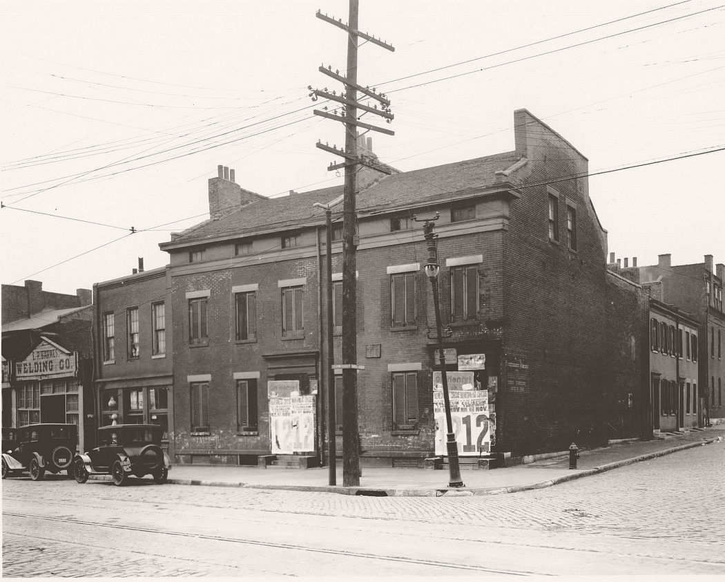 Colonel Frederick Dent Residence at the southwest corner of Fourth and Cerre Streets, 1915