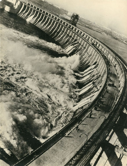 Alpert Max. The Construction of Dnepr's Hydroelectric Power Station. 1932