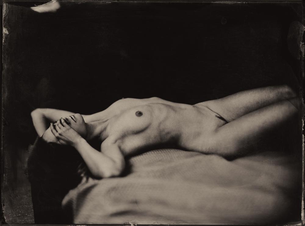 Nudes 3RD PLACE WINNER (amateur) 3RD PLACE WINNER Monika Cichoszewska, Hiding Desire