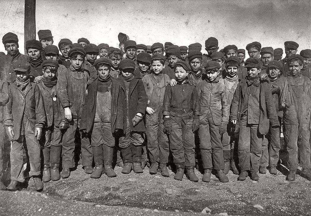 Boys working in Ewen Breaker of Pennsylvania Coal Co., South Pittston, January 1911