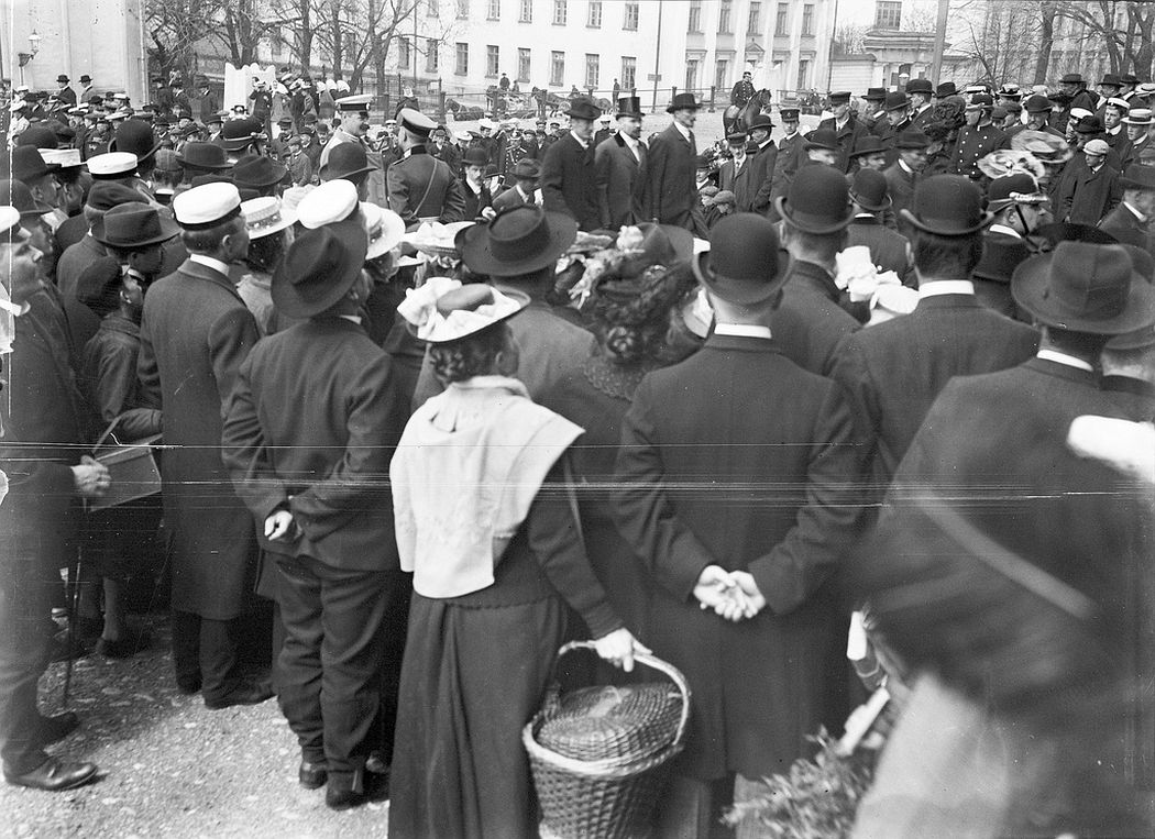 People gathering outside St Nicholas' Church (today called Helsinki Cathedral)