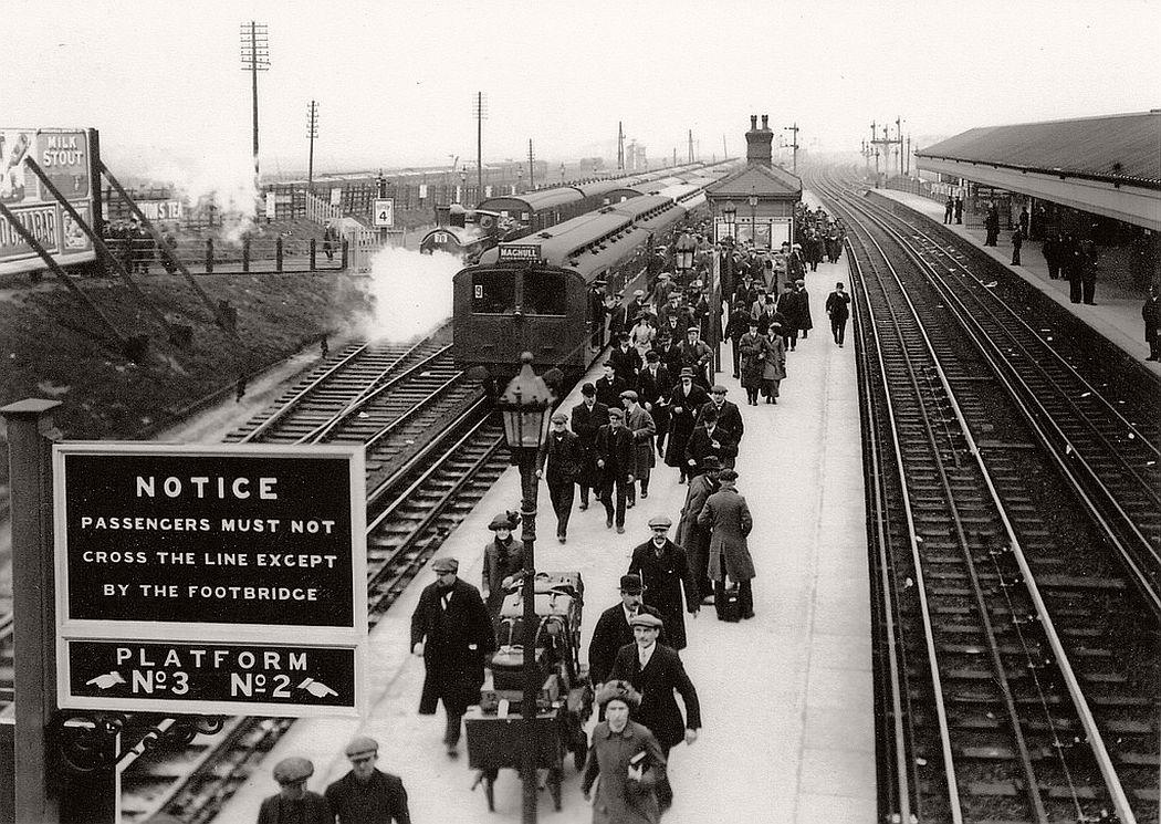 Aintree Railway Station, April 1913