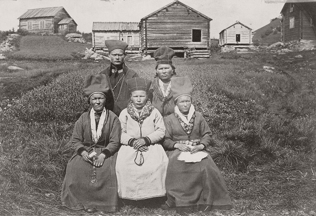 Sami people from Sweden. Gruppbild. Sorselesamer i Ammarnäs 1871.