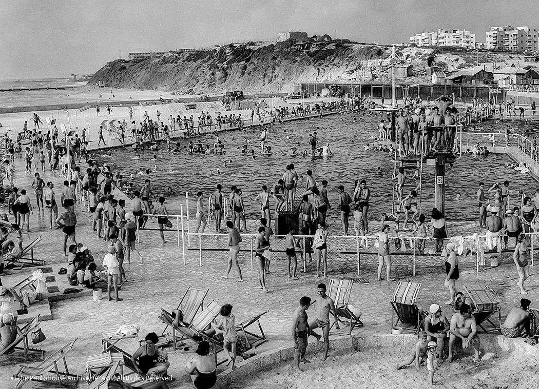 Rudi Weissenstein  Gordon swimming pool, Tel Aviv, 1957