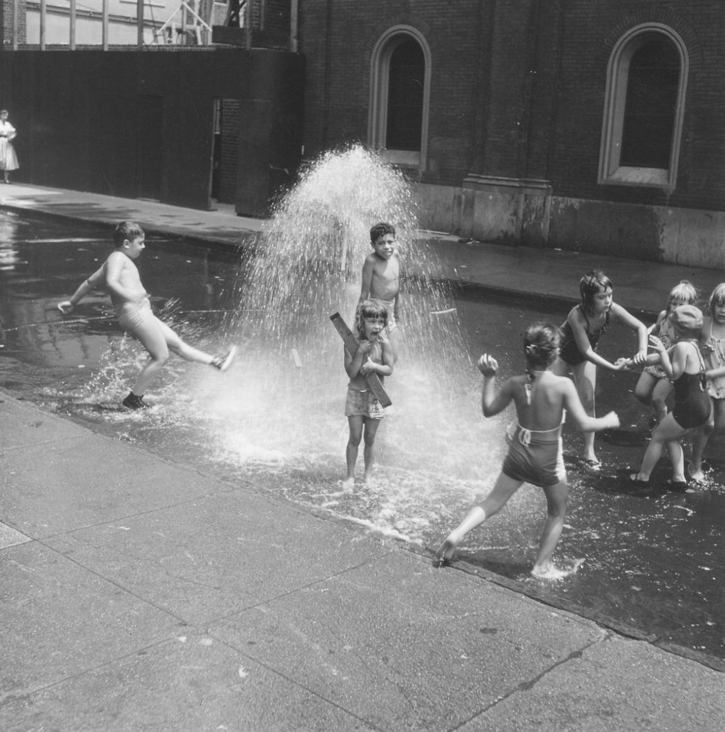 New York Kinder, Children Playing with Fire Hydrant, 1952
