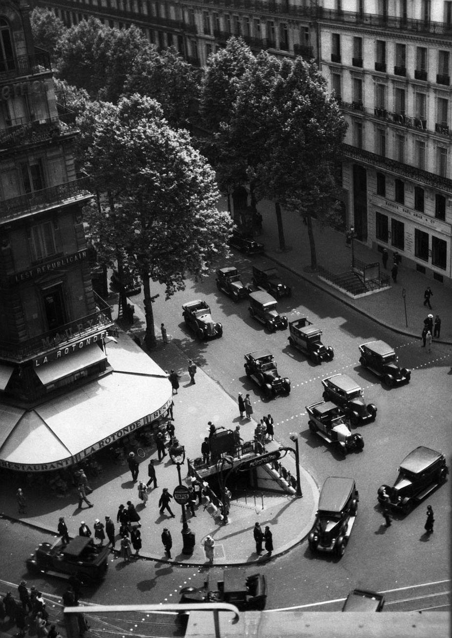 View from Galeries Lafayette Department Store onto Boulevard Haussmann, Paris, 1930 © Fritz Block