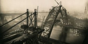 Vintage: Building the Tyne Bridge (1927 to 1929)