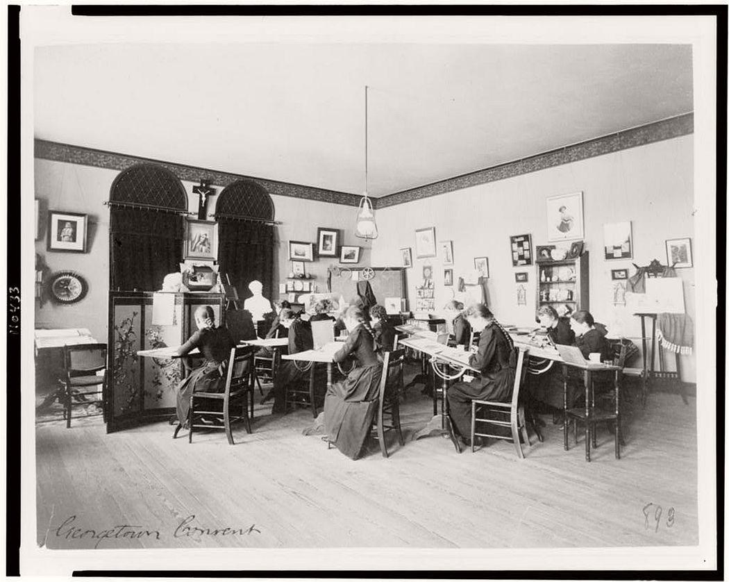 Art class in Georgetown Visitation Preparatory School, Washington, D.C., between 1890 and 1910.