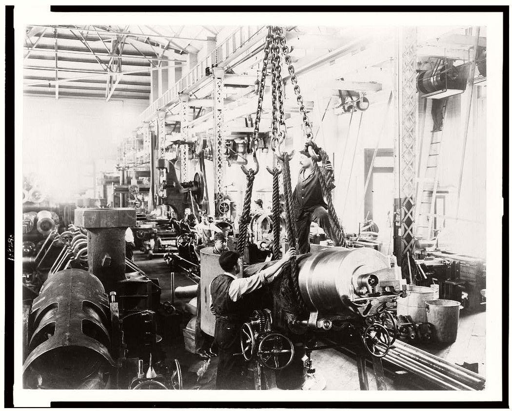 Getting ready to hoist a mounted gun, in Washington Navy Yard, 1903.
