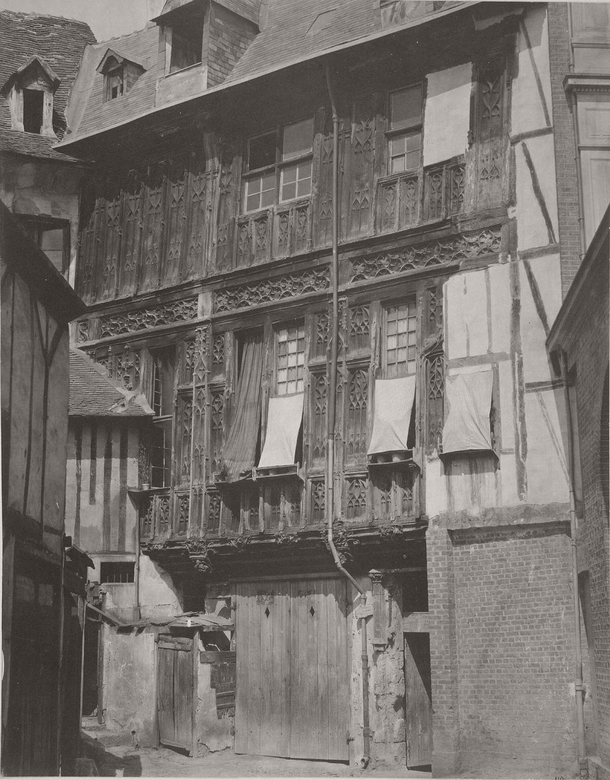 Rouen. Vestiges of the Loggia of the Abbesses from the Abbey of Saint Amand, 1858.