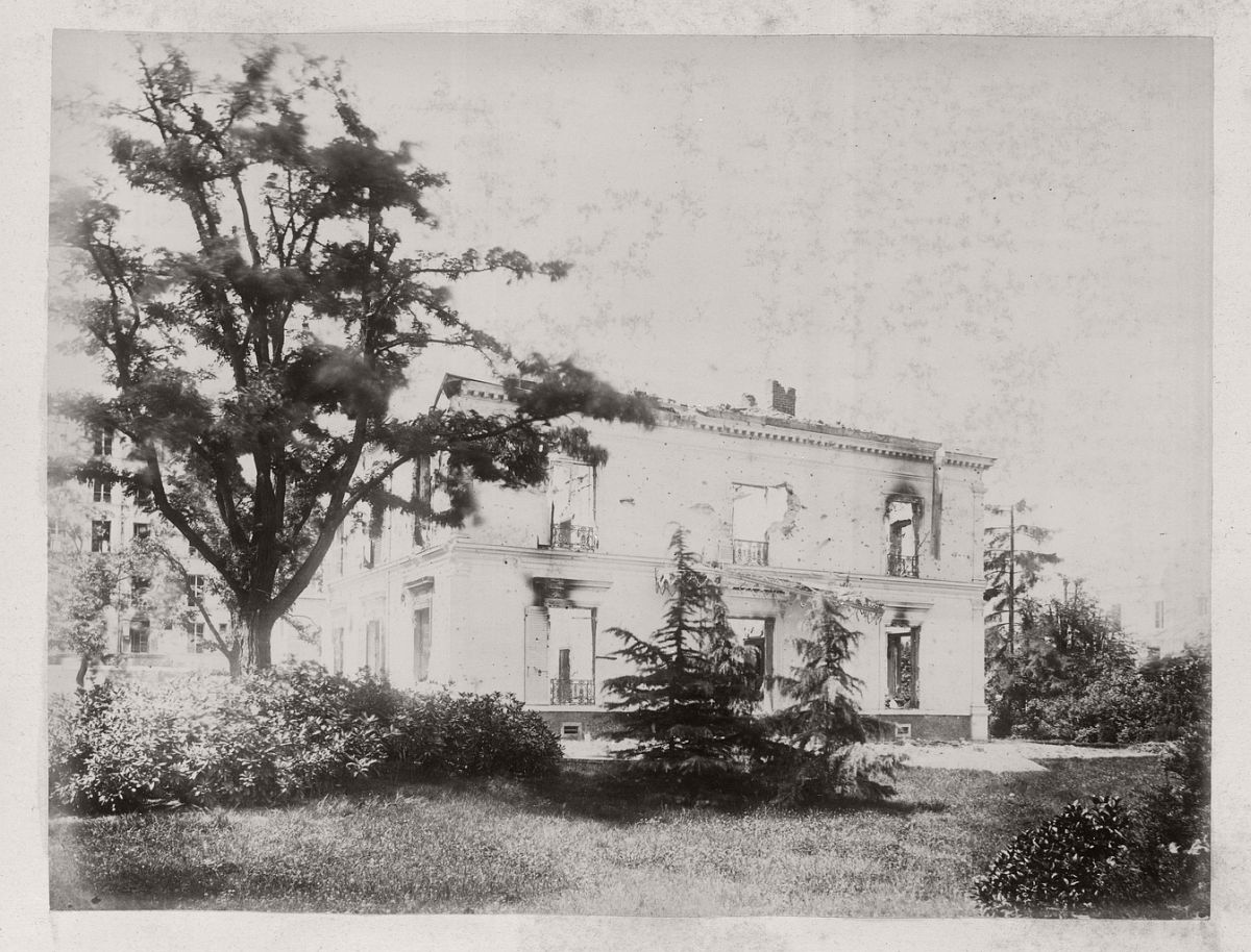 House and Garden on Avenue de Neuilly, 1871.