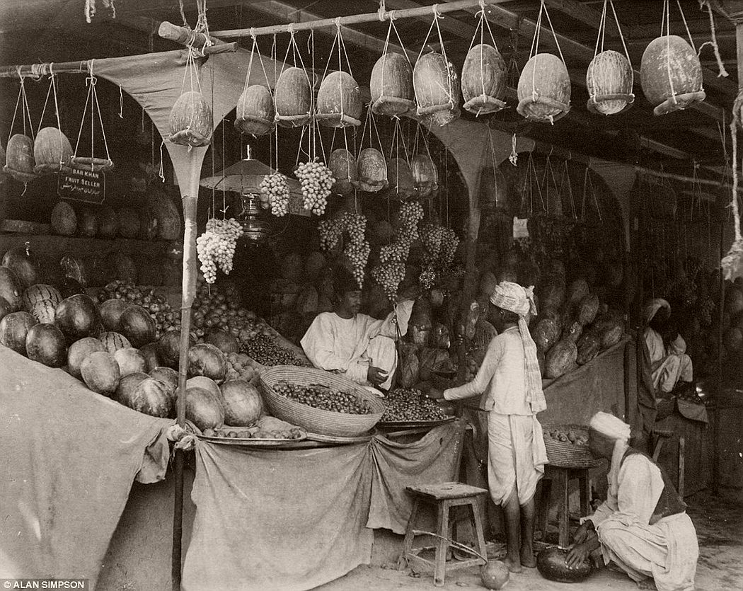 Pictured is the fruit market at Quetta Bazaar in 1900.