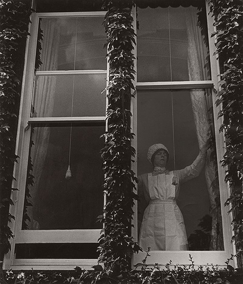 BRANDT, Bill (1904-1983), Maid at Window, Mayfair, 1936
