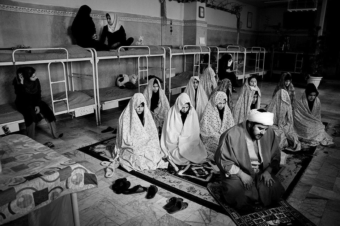 Sadegh Souri: Waiting Girls / 1st Place in Photojournalism (Series)