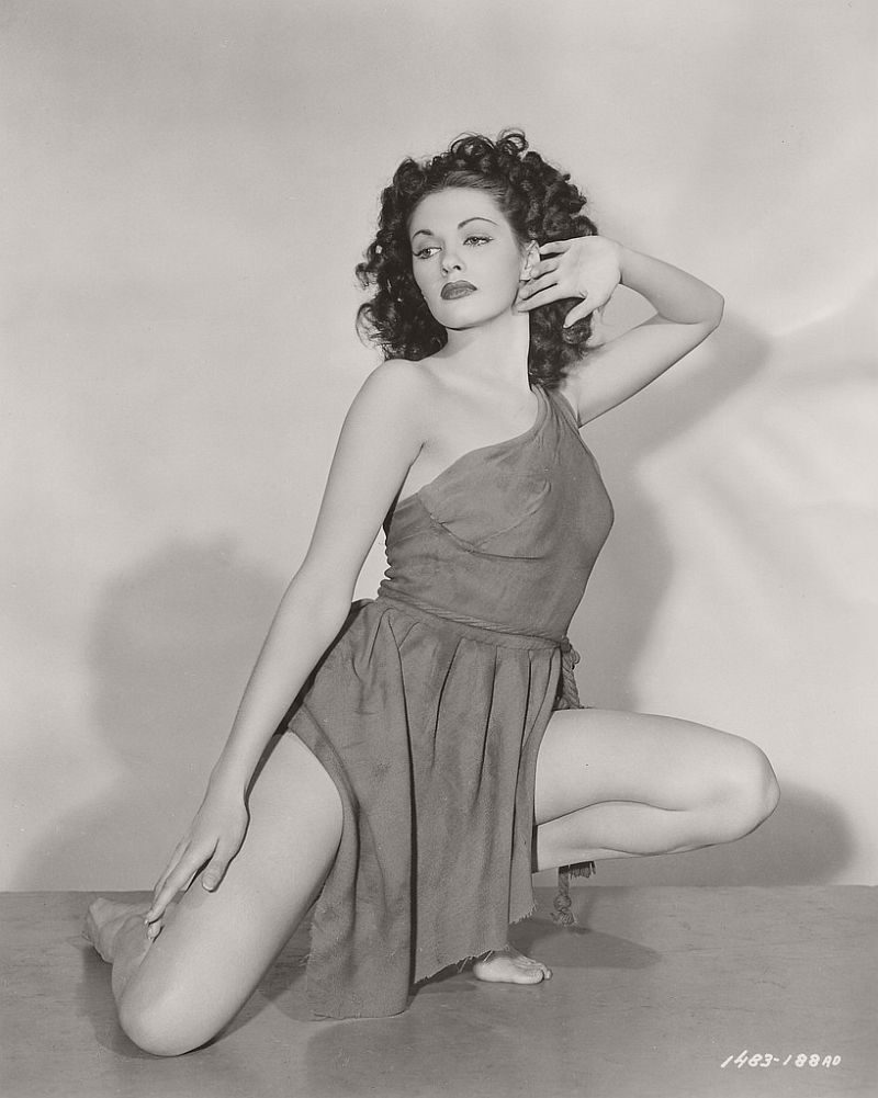 Yvonne De Carlo - c.1947