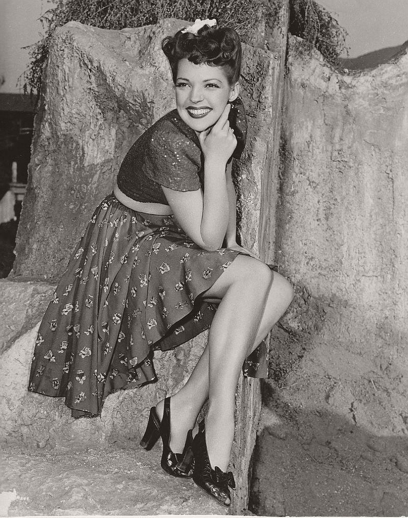 Anne Gwynne - c.1944