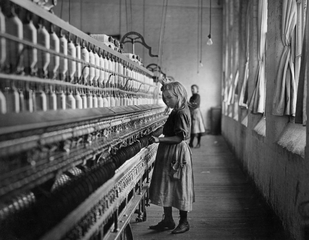 Sadie Phifer, A Cotton Mill Spinner, Lancaster, South Carolina, 1908, gelatin silver print. Collection of Michael Mattis and Judith Hochberg, courtesy of art2art Circulating Exhibitions