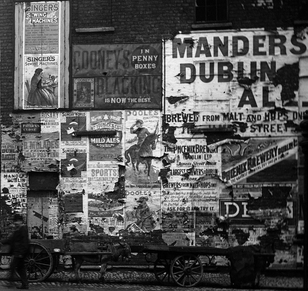On a Dublin street in 1898