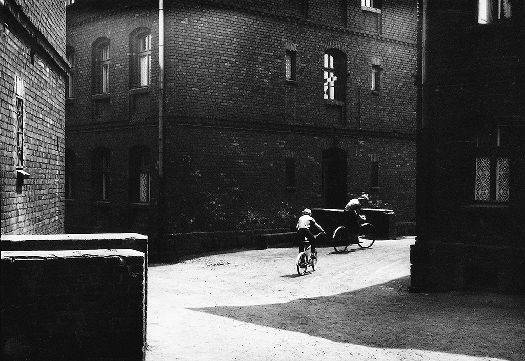 Boys on bikes, Nowy Bytom, 1978