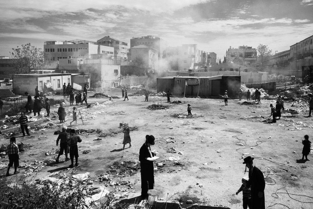 © Ofir Barak: Mea shearim - The streets / MonoVisions Awards 2017 winner