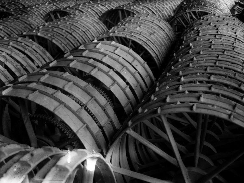 Boris Ignatovich. Wheels for Reaping Machine, 1929