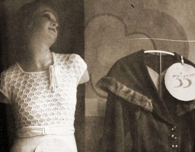 """Manuel Alvarez Bravo, """"Sin Brazos con Precio"""", 1930s, Platinum Palladium print"""