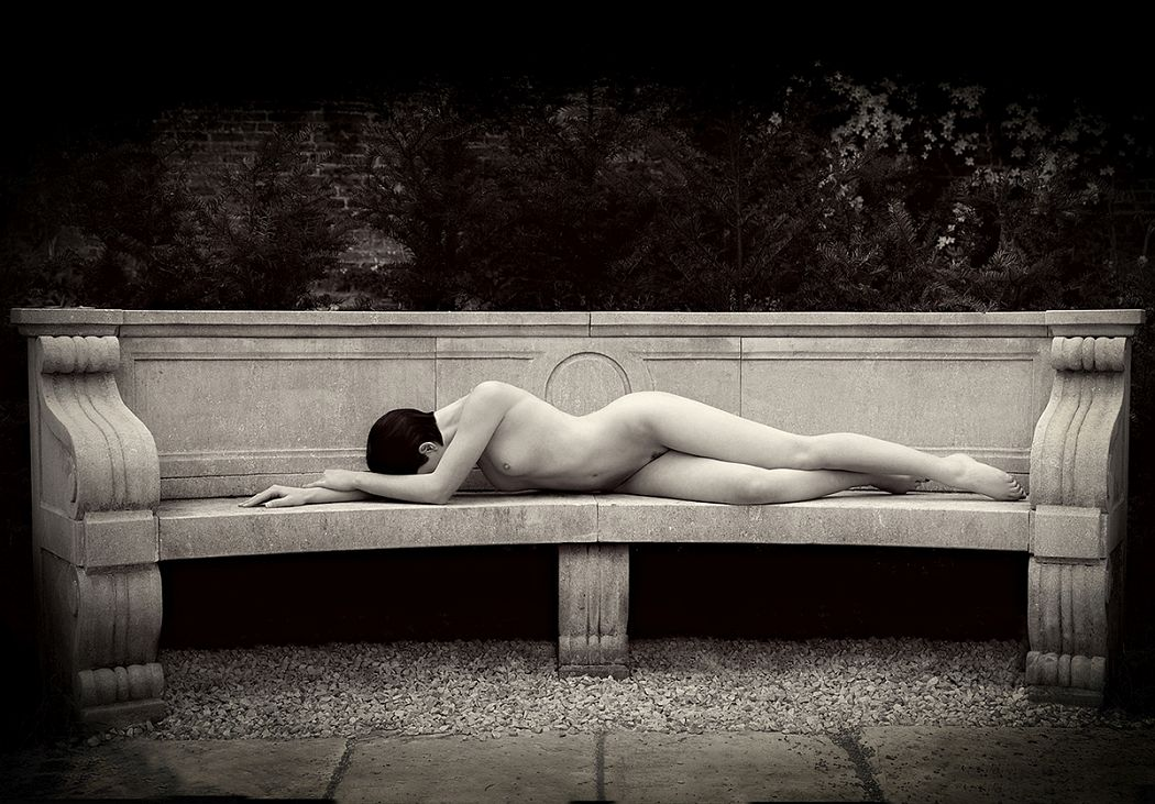 The Stone Seat-Lozie-art-nude-trevor-yerbury-weymss
