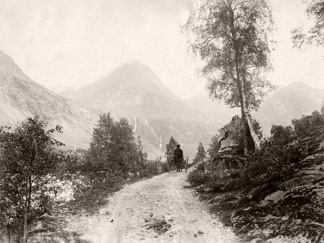 Country road in Jostedalen, Sogn og Fjordane