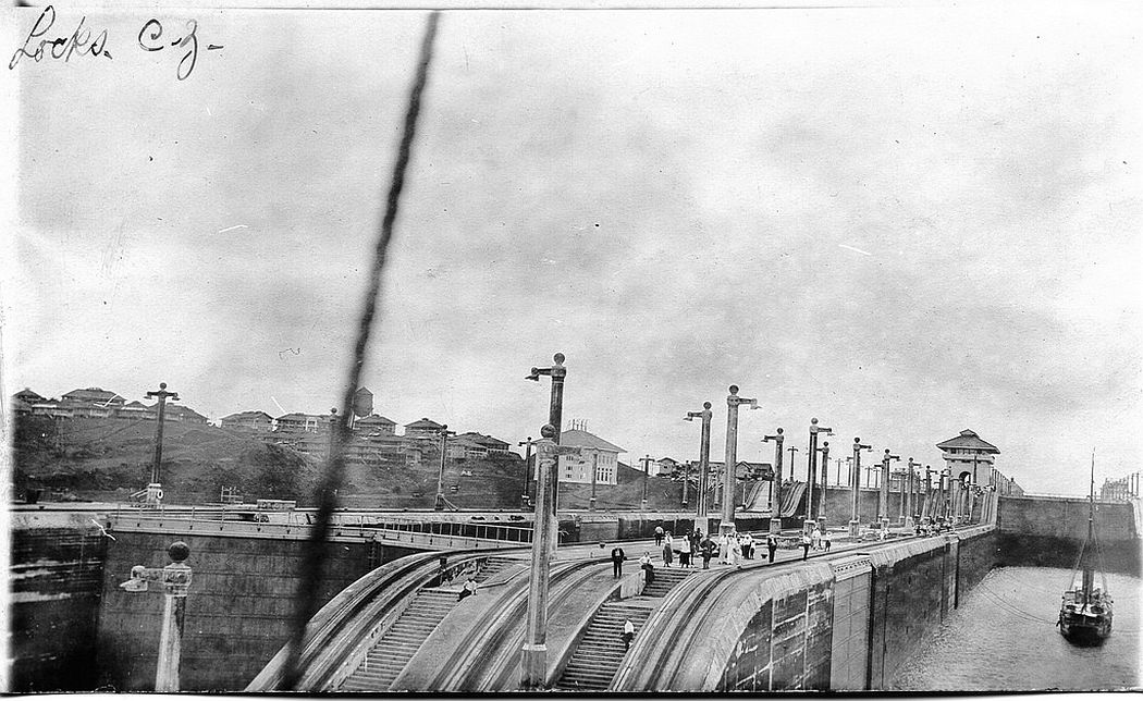 File:Kroonland in Panama Canal, 191jpg