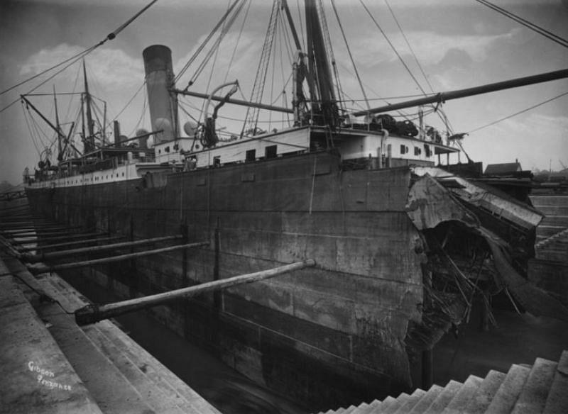 The Suevic, The Lizard, a 12,500 ton steamship from Australia.