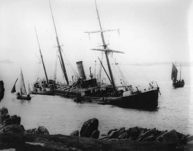 The Earl of Lonsdale, St Agnes, Isles of Scilly, 1885, a 1,543 ton steamship travelling from Alexandria to Portishead.