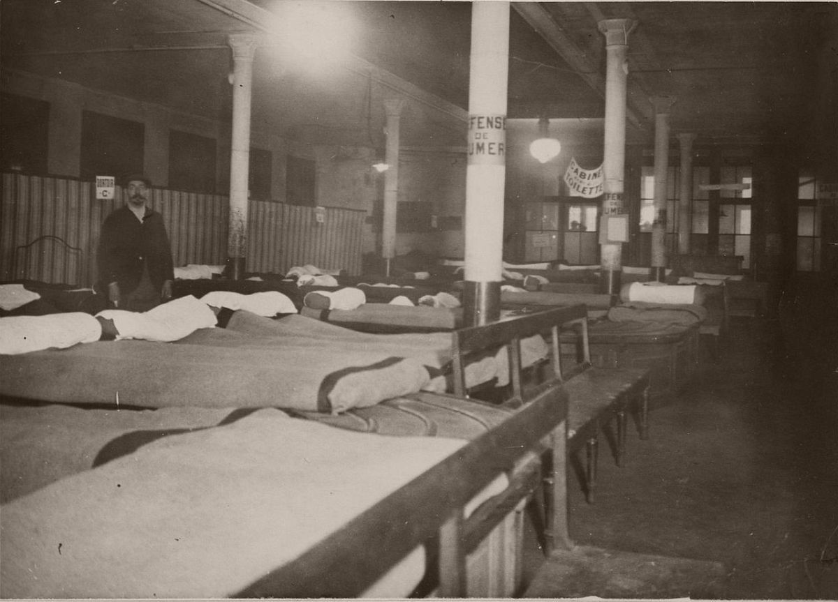 1914. North Station. Hospital ward.