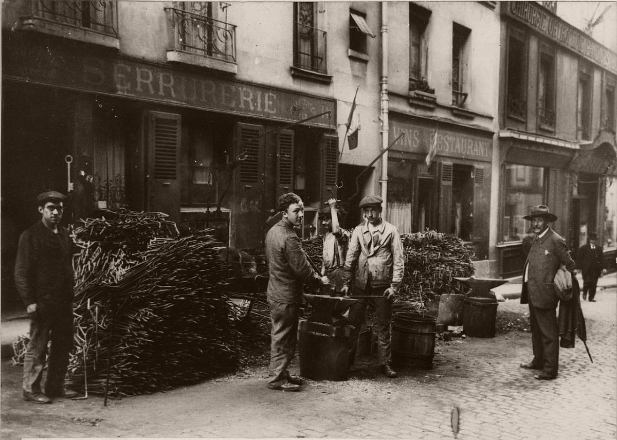 1914. Rue Laseped.