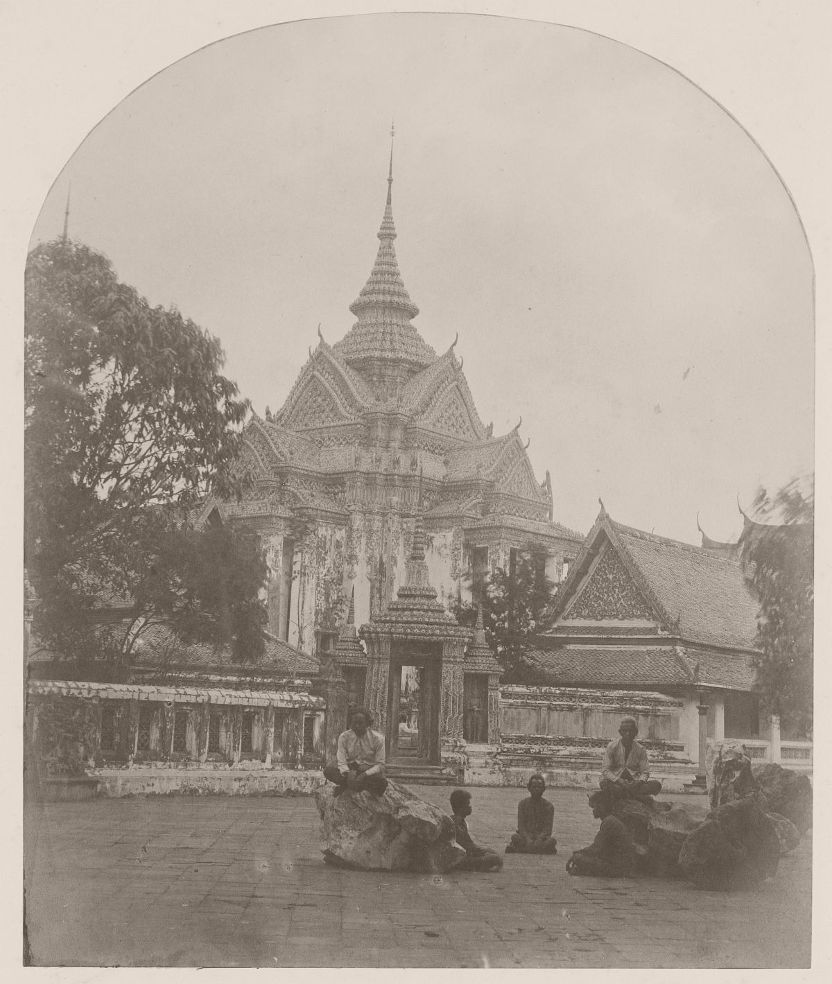 Temple (Wat Po) in the palace (Dusit Maha Prasat) of the first king of Siam in Bangkok, 1862.