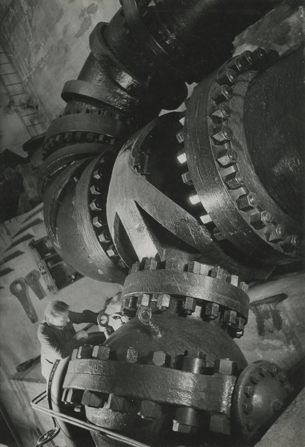 Pressure Pipe, Vernayaz, 1938. © Jakob Tuggener-Stiftung