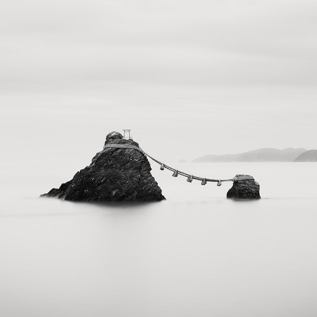 © Olivier Robert: Japan Coastlines / MonoVisions Awards 2017 winner