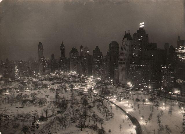 Paul J. Woolf, Central Park Looking Southeast, c. 1935