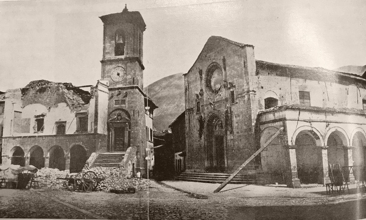 San Benedetto (Norcia). La piazza di Norcia dopo il terremoto del 1859.