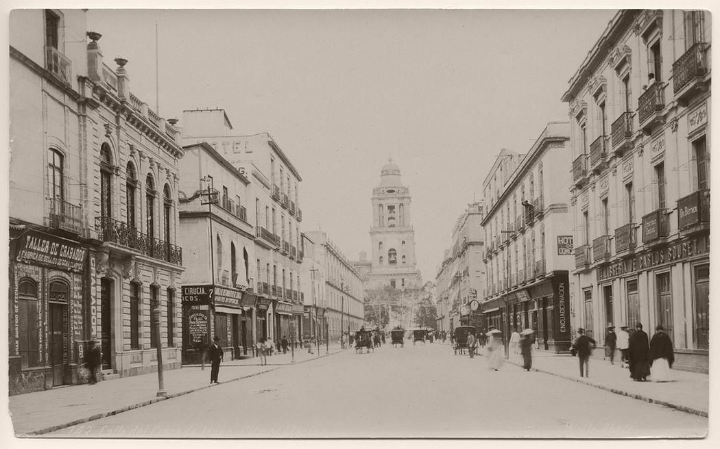 Calla del Cinco de Mayo, City of Mexico, 1904