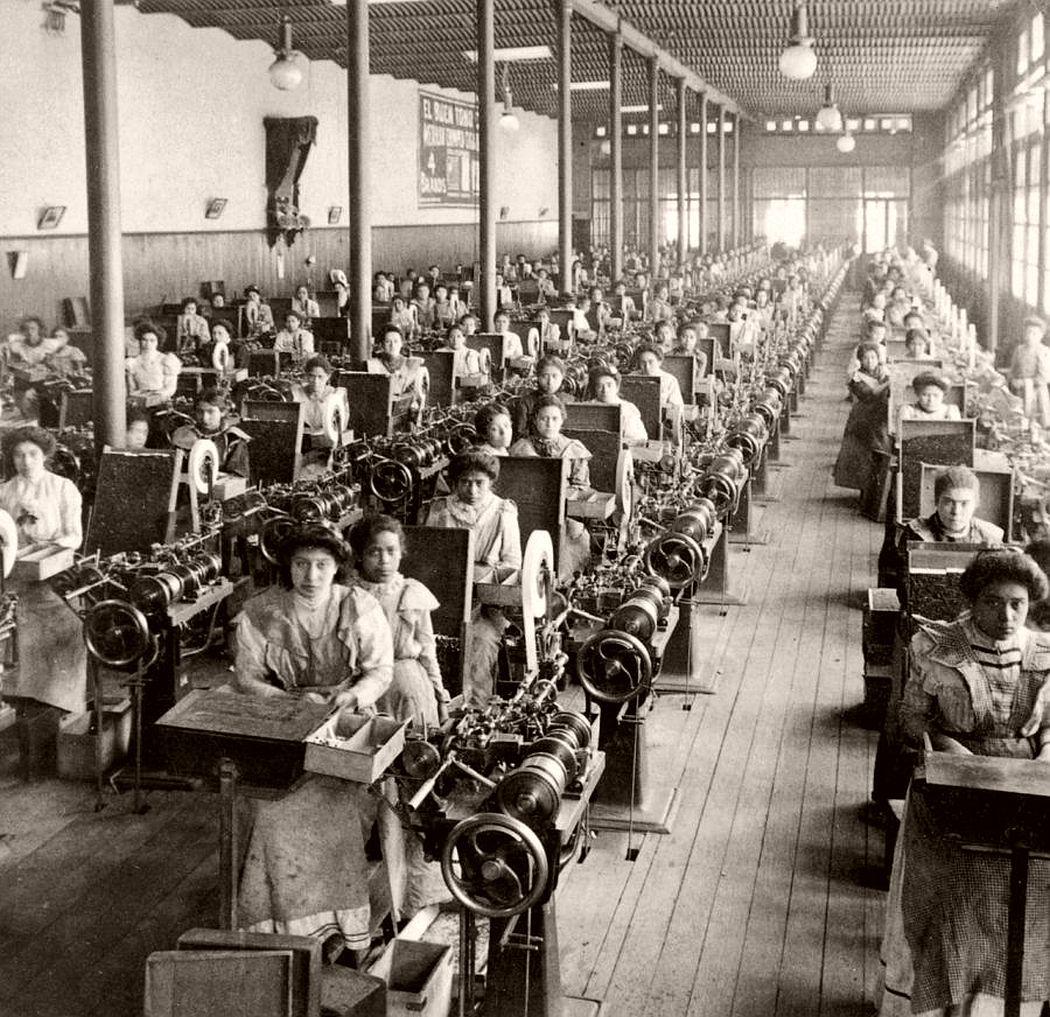Cigarette Factory In Mexico City, 1903