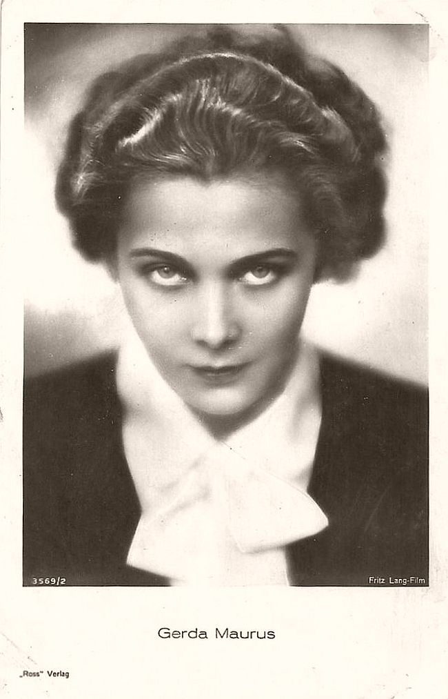 Austrian actress Gerda Maurus (1903-1968) was a star of the silent screen. With her protruded cheek bones and her forceful look she bewitched many men, including her director Fritz Lang and Nazi Minister Josef Goebbels.