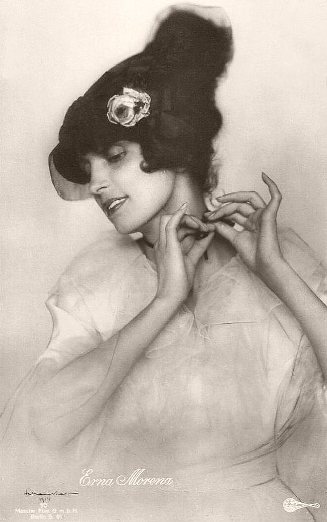 Erna Morena (1885-1962), born Ernestine Maria Fuchs, had an enormous career in German silent cinema in the 1910s and 1920s, and until the mid-1930s she was regularly performing in German sound films.