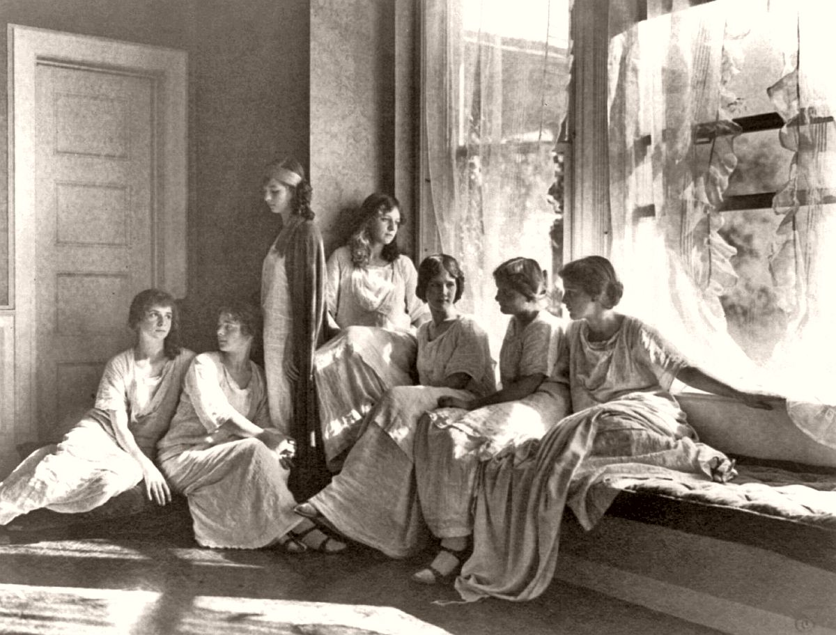 Isadora Duncan's dance students, early 1900s