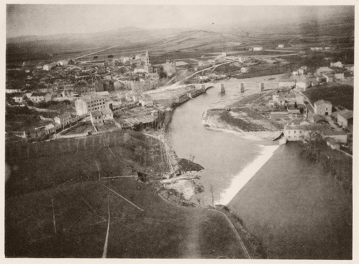 Aerial photograph of Labruguière village in France by Arthur Batut's kite in 1889.