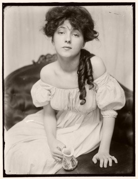 Biography: Portrait photographer Gertrude Käsebier