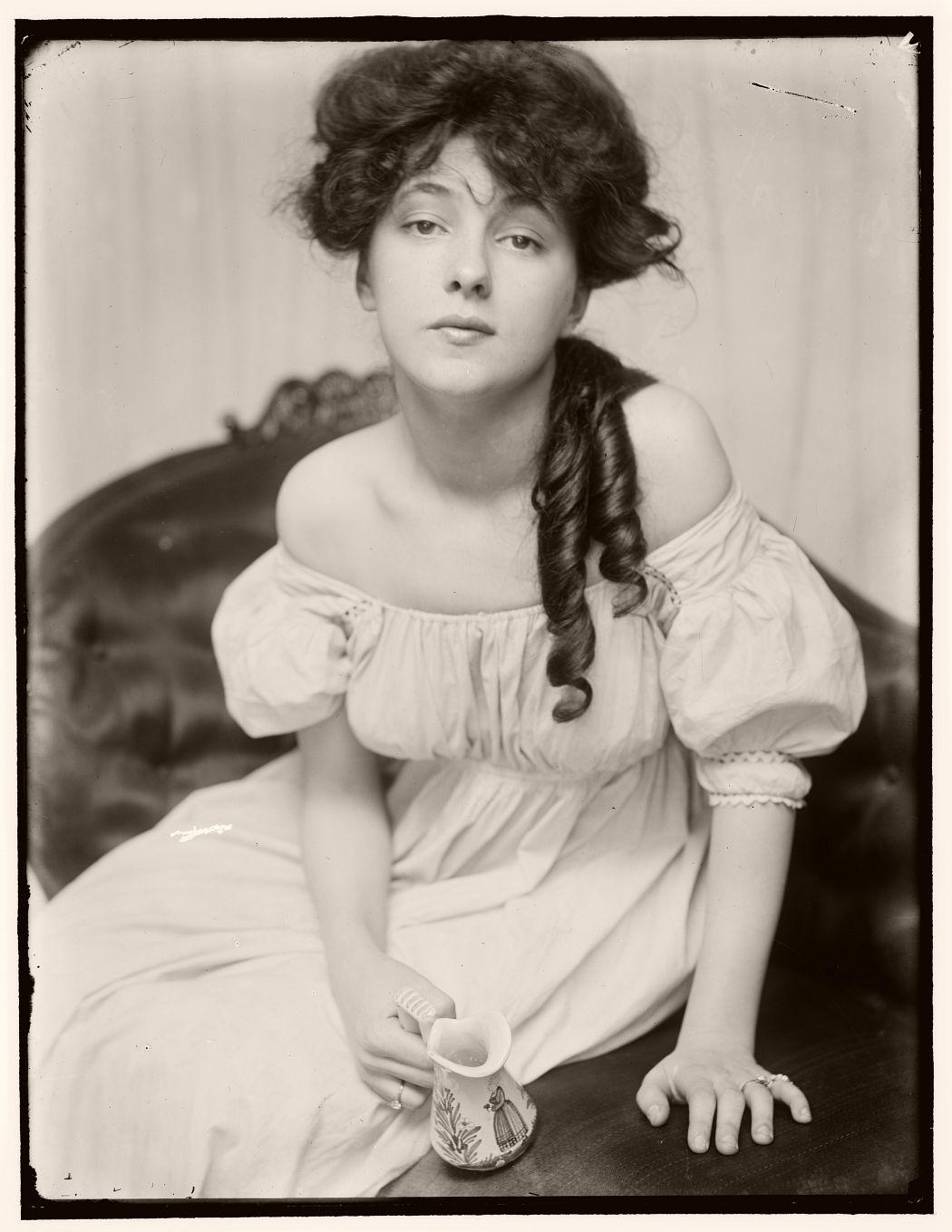 Miss N (Portrait of Evelyn Nesbit), 1903 by Gertrude Käsebier
