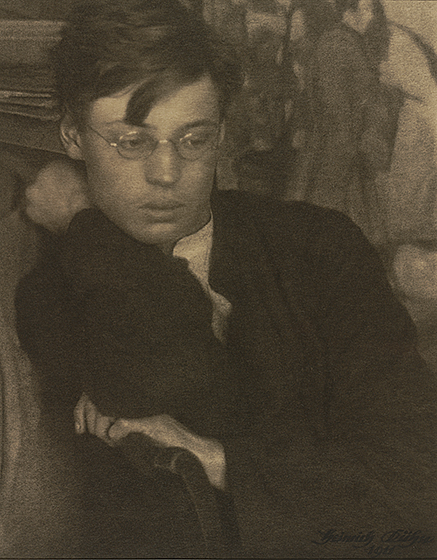 Heinrich Kühn, Walther Kühn, 1911, gum dichromate over platinum print, National Gallery of Art, Washington, Robert B. Menschel Fund