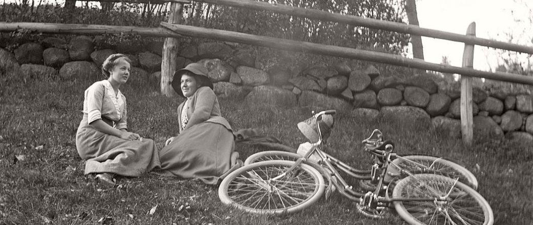 Vintage: Life in Sweden by Oskar Jarén (1910s-1920s)